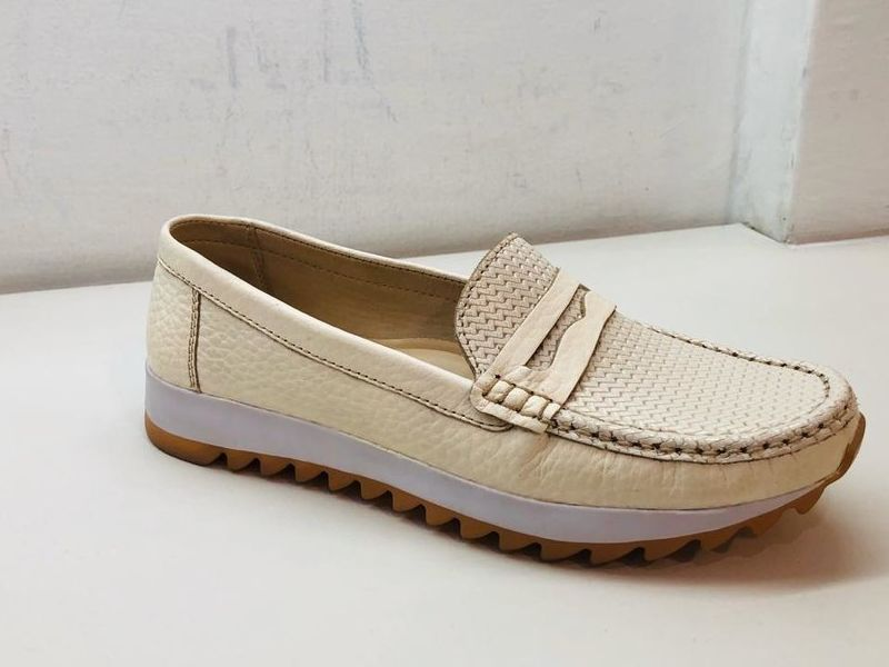 Zapato Casual de Cuero Color Beige