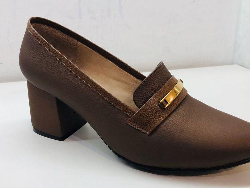 Zapatos De Tacón Bajo Color Café
