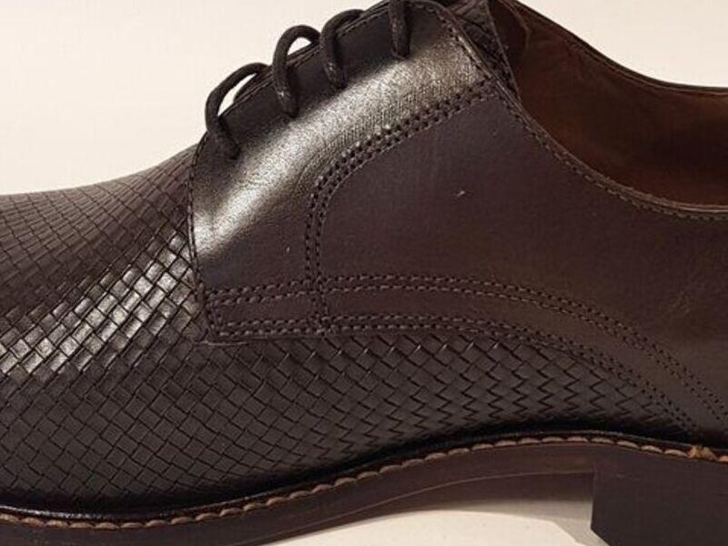 Zapatos Formales de Cuero en Café Oscuro