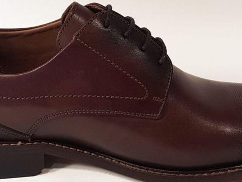 Zapatos Formales de Cuero en Vino
