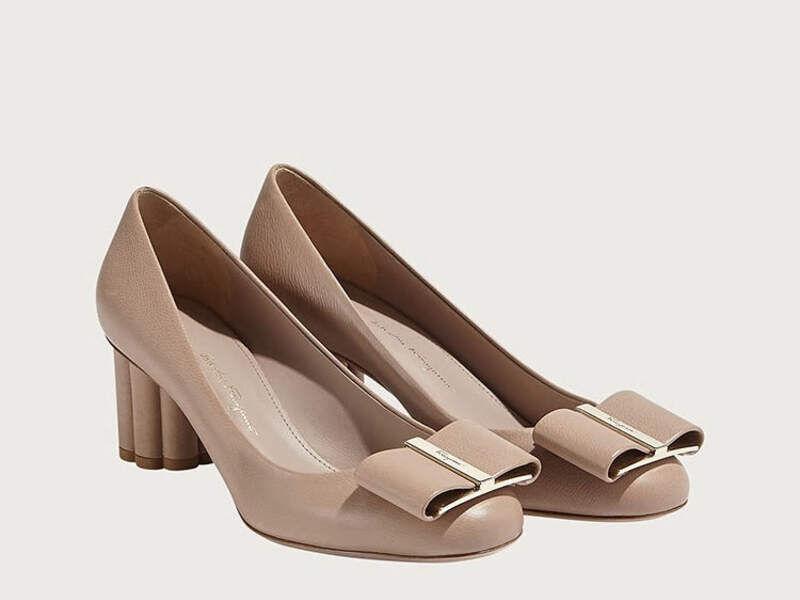 Zapato Oversize Bow Pump- Stone