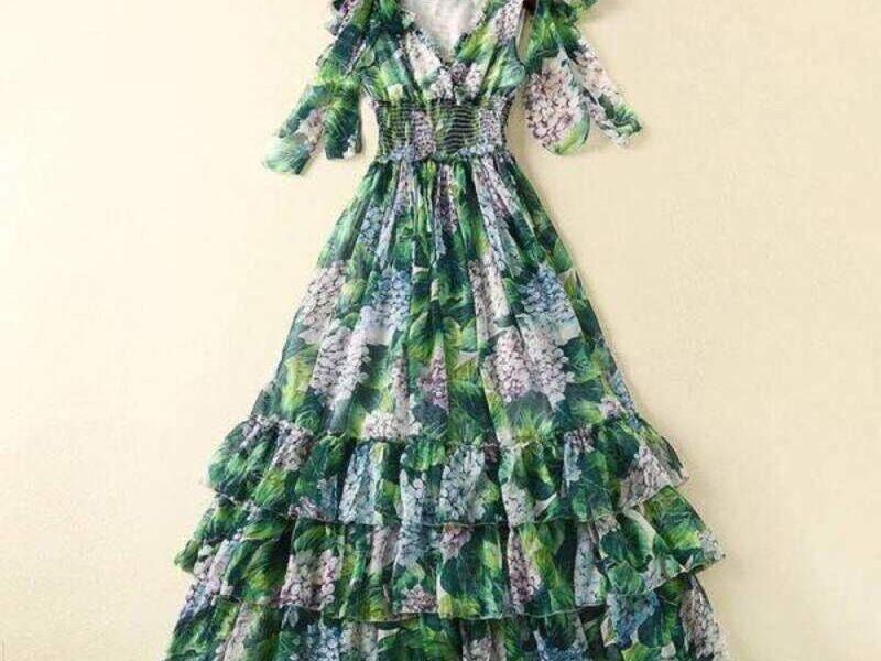 Vestido Largo Verde con Diseño Exclusivo
