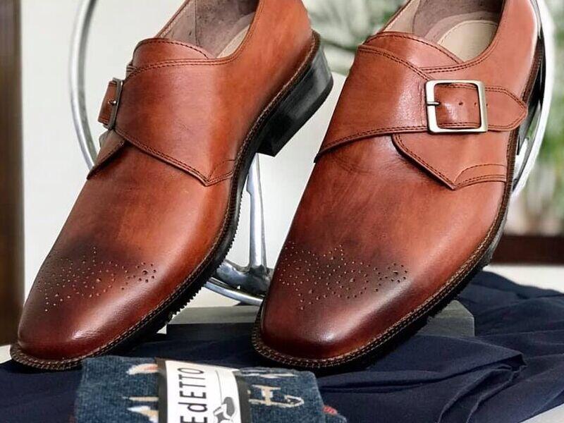 Zapatos Clásicos de Cuero con Correa