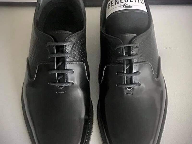 Zapatos de Cuero Negros Clásicos