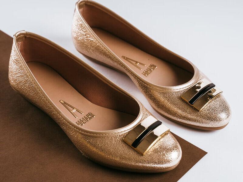 Zapatillas Doradas de diseño exclusivo