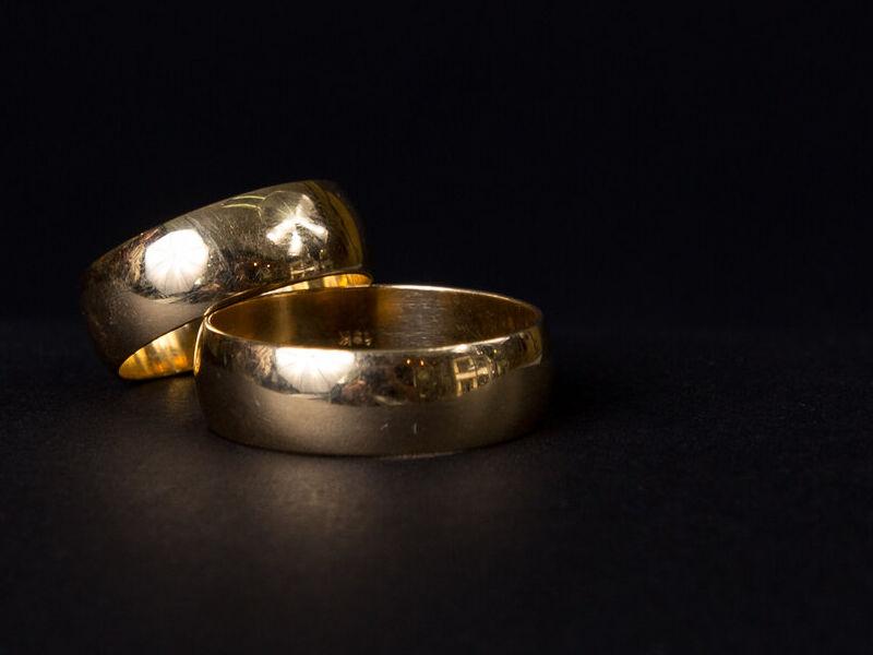 Anillos de Compromiso Clásicos en oro