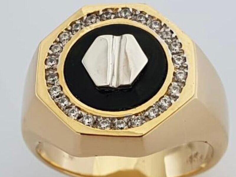 Anillo de Oro de 18 Klts circular con negro