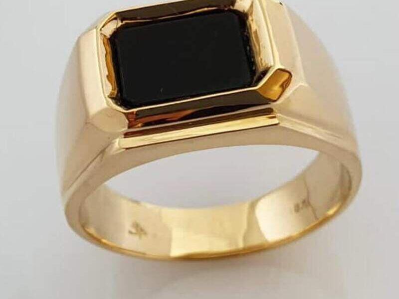 Anillo de Compromiso en oro 18 klts Cuadrado
