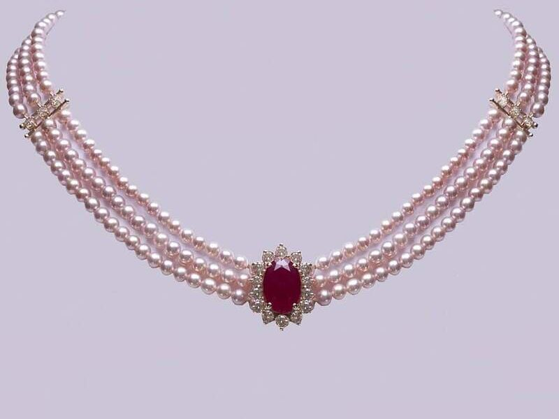 Collar de perlas rosa