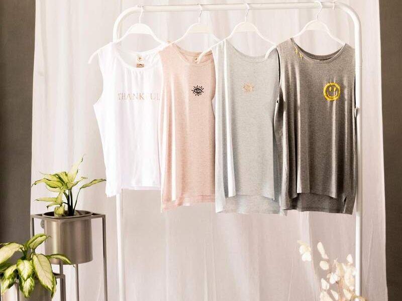 Camisetas sin manga con diseño para mujer