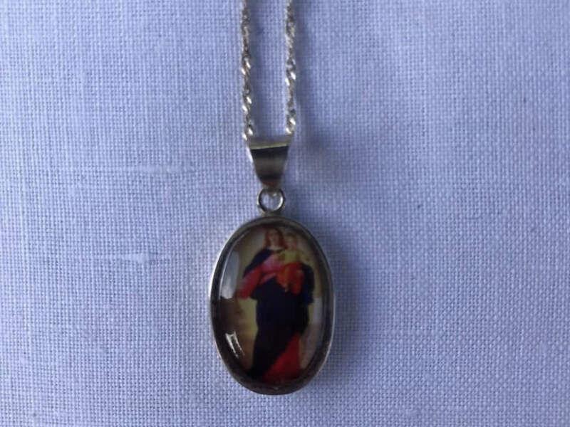 Medalla de plata Virgen y niño Jesús