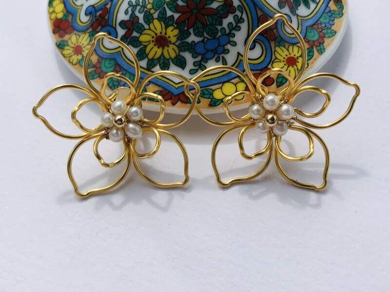 Aretes doble flor pétalos en forma de hoja